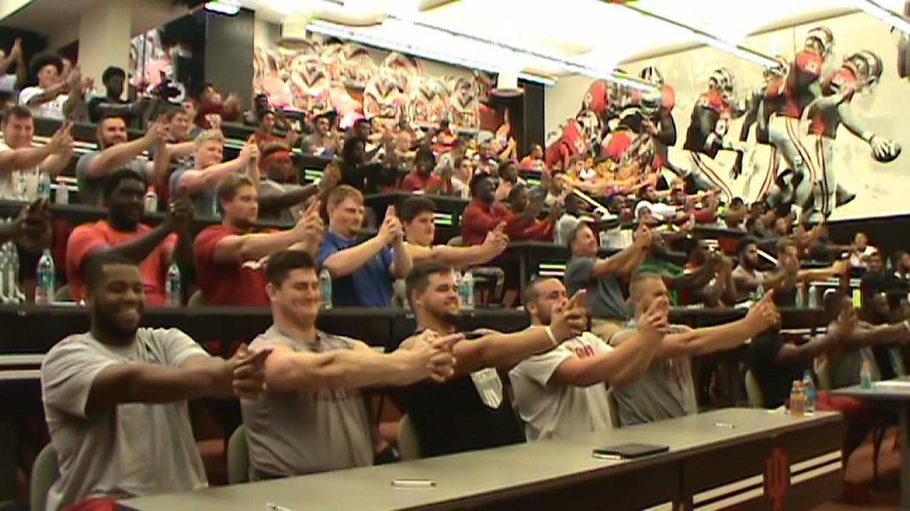 college football team hypnotized by sports hypnotist chris cady and hoosiers