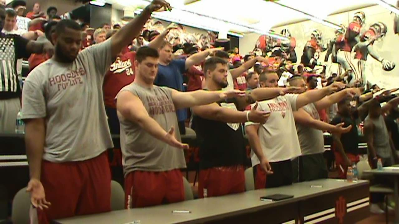 hypnosis college football team hypnotized hands in airsports hypnotist Chris Cady