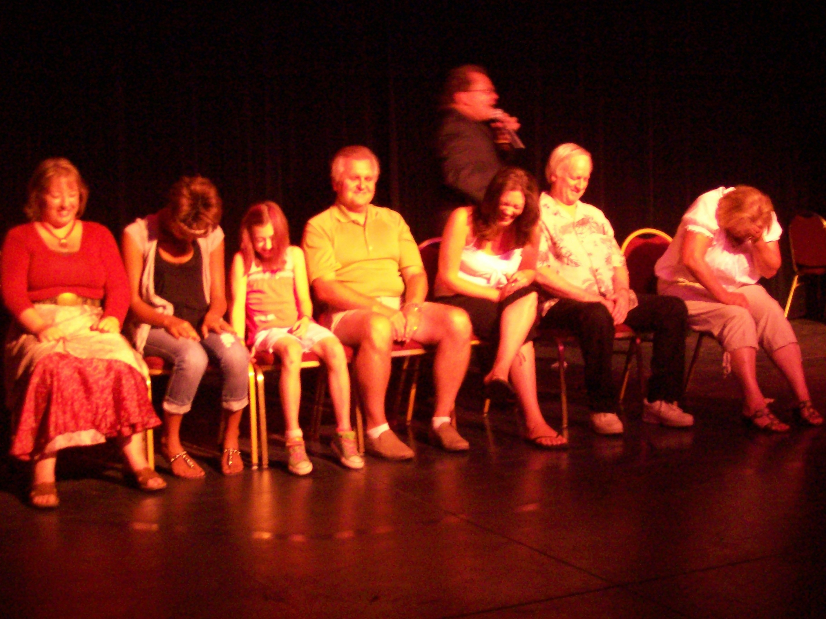 hypnotist chris cady hypnotizes all ages party